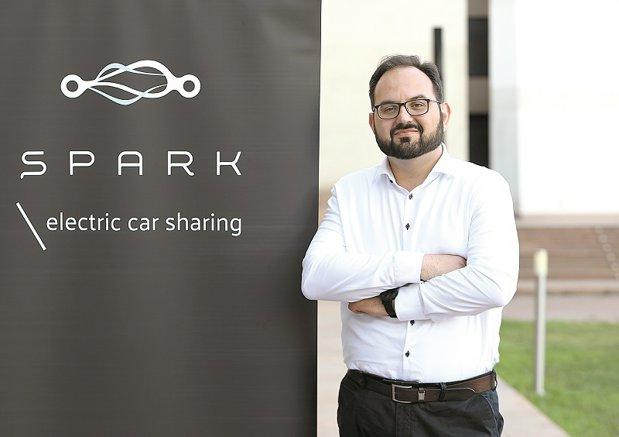 Lituanienii de la Spark vor investi 700.000 euro pentru a aduce maşini electrice de închiriat. Compania de e-car sharing va pune la dispoziţia bucureştenilor o flotă de 50 de maşini electrice în următoarele săptămâni