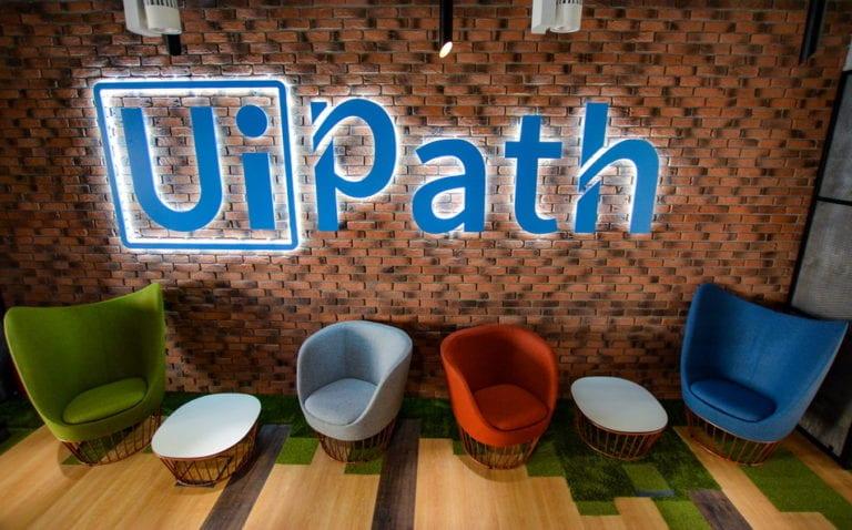 Unicornul UiPath îşi caută director de marketing