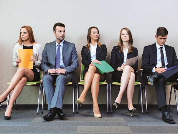 """2020, anul cu cele mai multe aplicări pentru joburi din partea tinerilor. """"A fost un an exploziv pentru categoria 18-24 de ani. Tinerii au înţeles că lupta nu se mai dă pentru candidaţi, ci pentru joburi"""". Cele mai căutate domenii au fost ingineria, contabilitatea, marketingul, IT&C şi resursele umane"""