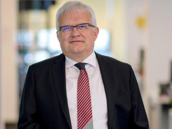 Surpriză: Miliardarul ceh care a cumpărat birourile Globalworth de la Ioannis Papalekas l-a recrutat Marian V. Popa de la Deutsche Bank Global Technology să preia conducerea celui mai mare proprietar de birouri din România
