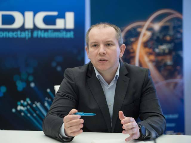 Şefii Digi, remuneraţii de la 190.000 de euro la 1,6 mil. euro în 2020. Serghei Bulgac, CEO, cel mai mare pachet salarial din România. Zoltan Teszari, preşedinte şi cel care controlează Digi Communications, a raportat o remuneraţie totală de 192.000 de euro în 2020, formată integral din pachetul fix