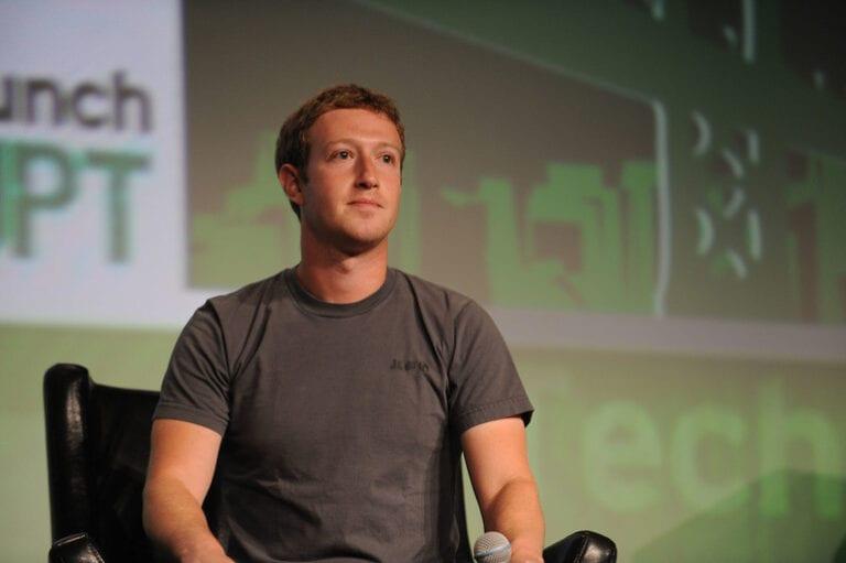 Decoperire după hack-ul Facebook- Mark Zuckerberg folosește Signal