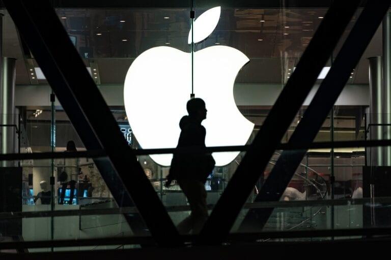 iPhone-ul pliabil ar putea intra pe piață în 2023