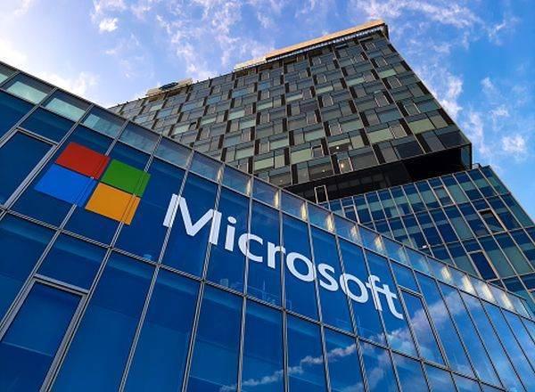 Microsoft dezvoltă un dispozitiv de streaming pentru serviciul său de gaming în sistem cloud