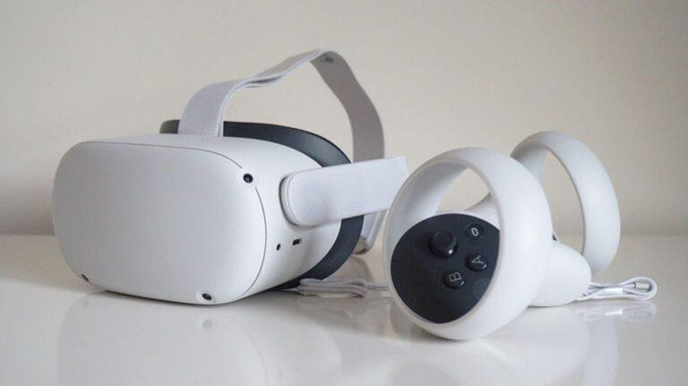 Facebook retrage de pe piață 4 milioane de căști de realitate virtuală