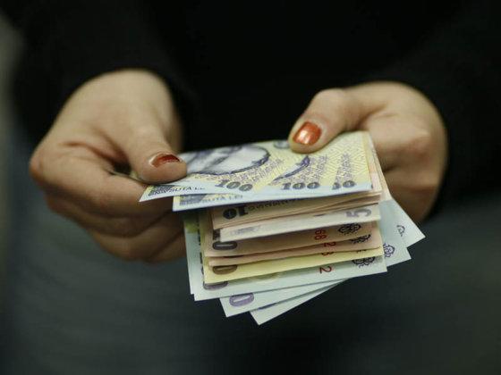 Salariile din IT continuă să crească – IT-iștii câștigă aproape dublu față de media națională